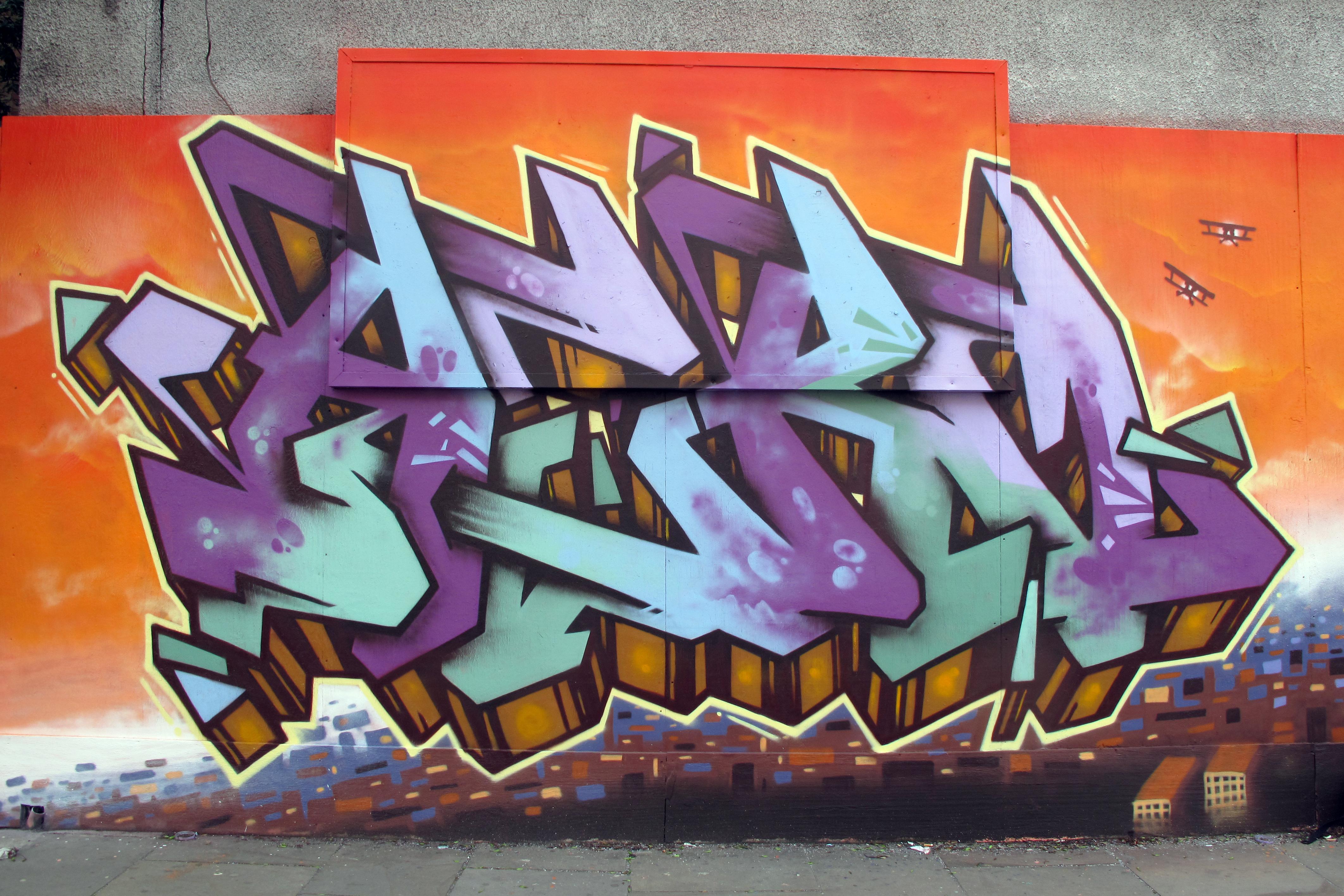 King kong palace 2013 london graffiti mural artist for Graffiti mural