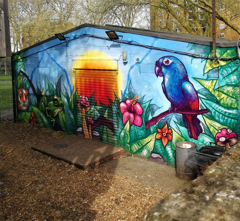 Homepark grafiti entance mural